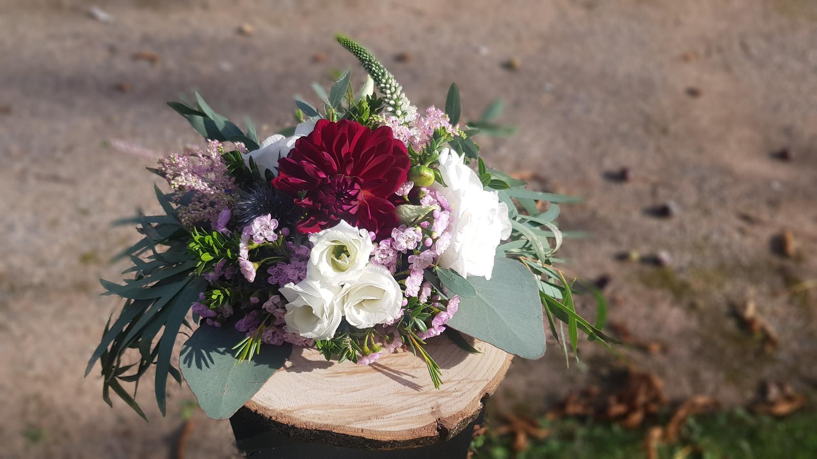 Podzimní svatba ve vínových barvách - Obrázek č. 3