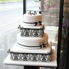 Krásna torta... len bez tých motýlikov!
