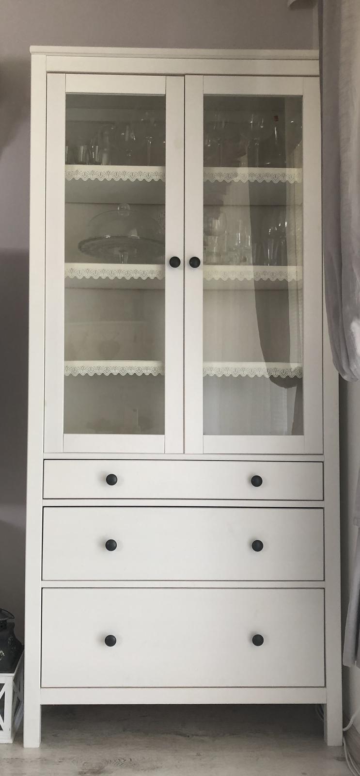 Hemnes vitrína, IKEA - Obrázok č. 1