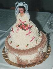 chtěla bych jako druhý dort panenku