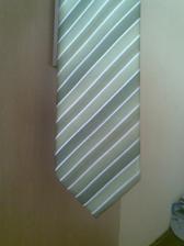 Martinova kravata- ve skutečnosti více zelená