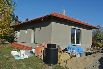 Naozaj už naša stavba začína vyzerať ako ozajstný domček.