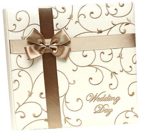 Our wedding wishlist - http://www.vyzdoba-dekoracie.sk/dekoracie/eshop/4-1-Konfety/0/5/539-Album-100-stranovy-ELLA-zlaty