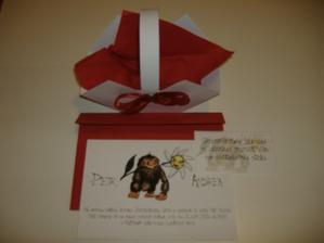 Měli jsme krásně sladěné oznámení, obálku i košíček na koláčky.