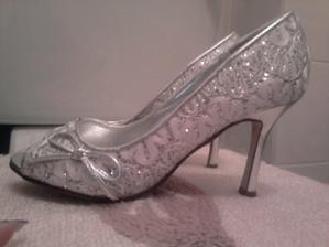 svadobne topanočky...troška netradičné, ale nemohla som odolať :)