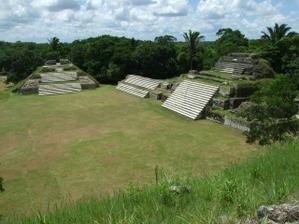 obdivovali jsme starobyle pyramidy Mayu