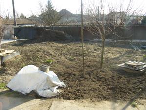 takto vyzeral dvor na jesen 2012