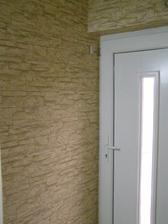 tapeta od dimexu, skvele riesenie ako zakryt smuhy na stene od psa zenuceho sa plnou rychlostou dnu :)