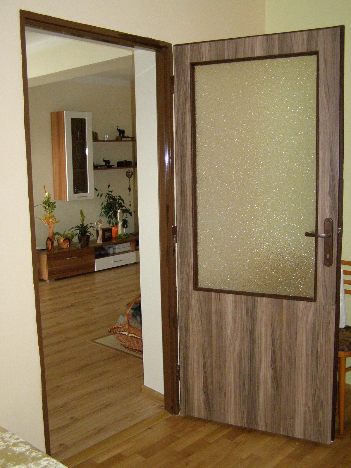 """Vynovenie starych dveri - a po mensej """"uprave"""" :)"""