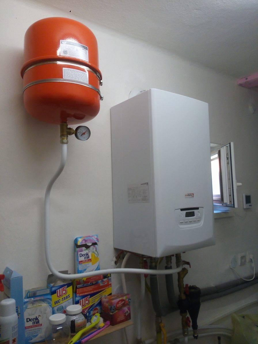 Tu bývame - po 4 rokoch byvania sme kupili kotol a namontovali radiatory - vsetko svojpomocne