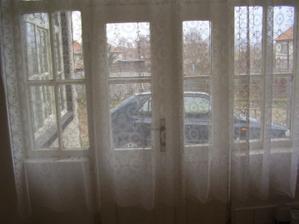 miesto ako stvorene pre francuzske okno :)