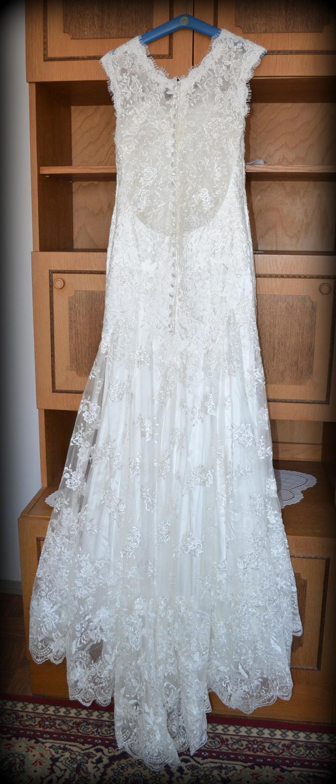 Čipkované svadobné šaty - Obrázok č. 1