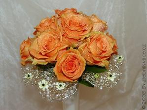 růže cca téhle barvy a frézie... uvidíme, jak to dopadne :-)