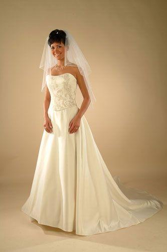 Mé červnové sny - Moje původní představa šatů, ale v bílé barvě