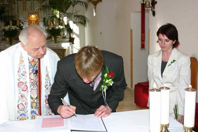Jana{{_AND_}}Petr - svědek nevěsty se taky musí podepsat...