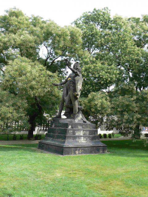 Sraz beremese 12. srpna 2006 - Další Myslbekova socha