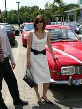 autíčko nevěsty a zároveň šatky na převlečení :-)