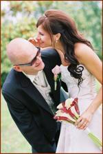 pan fotograf říkal, ať ženichovi pošeptám něco o svatební noci, tak jsem mu pošeptala, že nic nebude :-)