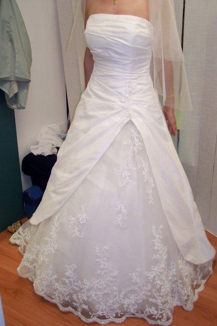 """Deň """"D"""" 25.08.2007 - 2. skúška ma presvedčila, že chcem 1. šaty ktoré som na seba navliekla"""