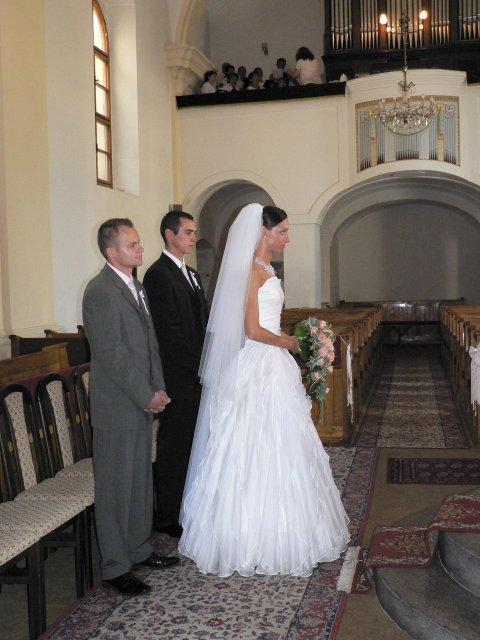 Erika Szarvasyová{{_AND_}}Janko Kováčik - ...stojím tu sama, ženích už podpisuje svoj osud...