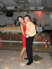 posledný tanec pre novomanželov a pomaly končí hostina :-(