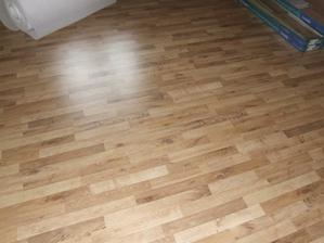 podlaha v reáli....krono wasabi dub