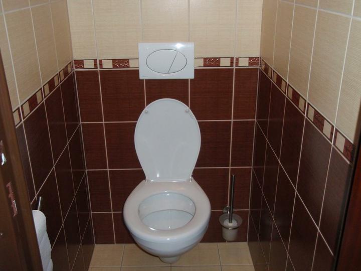 Chodba,kupelna - závesné wc:)