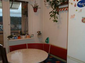 naša stará kuchyňa..