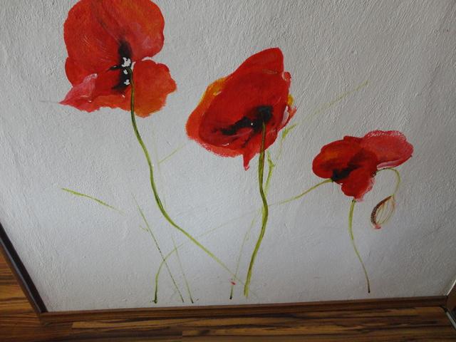 Dcerine malby- - dcéra malovala v chodbe..