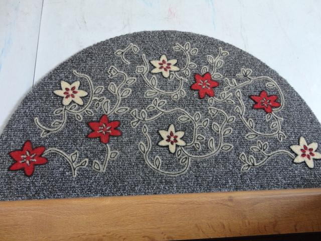 Dnes som si urobila radosť...kúpila som si rohož pred dvere a tabulku na dvere:) - rohož