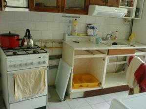 prvý týždeň - rekonštrukcia prebiehala spoločne s kúpeľňou a toaletou...