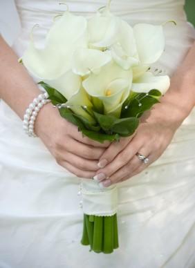 Květiny - bílé růže - i když kaly nemusim... tohle je hezké