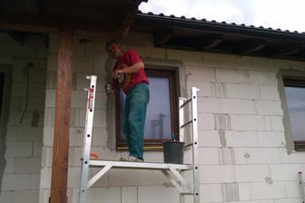 """""""Domurovávanie"""" popod strechu. Hlavný hrdina....môj ocko!"""