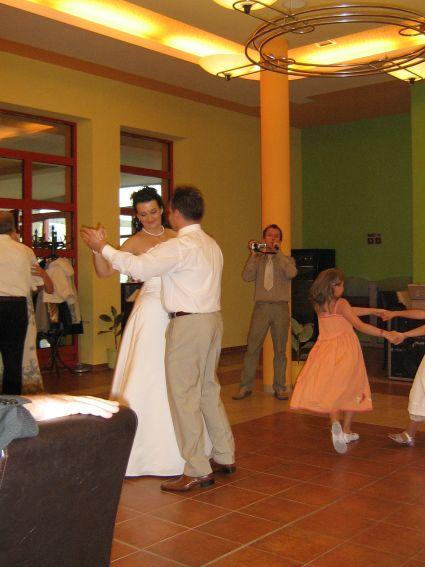 Alenka{{_AND_}}Radko - náš prvý manželský tanec