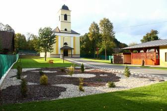 kostol z vonka