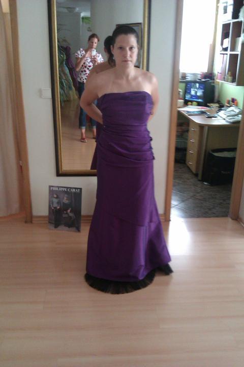 Šaty - moje nové popolnočky, tiež ich treba len skrátiť a zúžiť tak o dve čísla