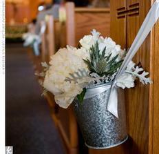 výzdoba kostela plus stuhy