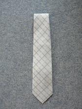 kravata, snad nebude moc světlá
