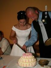 krájíme 2. svatební dort