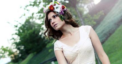 moje maličkost focená a líčená a česaná slečnou Helenkou http://www.facebook.com/Hellis.Makeup.Photography :) doporučuji, bude nám fotit svatební oznámení :)
