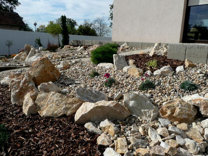 Záhrada s veľkou skalkou - Obrázok č. 5