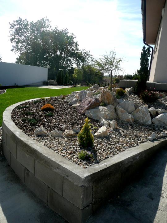 Záhrada s veľkou skalkou - Obrázok č. 6