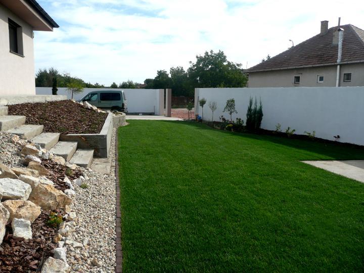 Záhrada s veľkou skalkou - Obrázok č. 14
