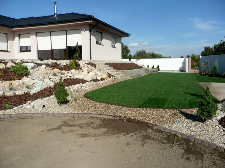 Záhrada s veľkou skalkou - Obrázok č. 16