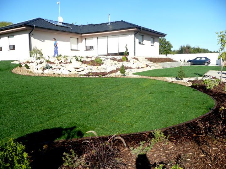 Záhrada s veľkou skalkou - Obrázok č. 21