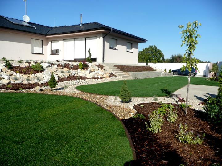 Záhrada s veľkou skalkou - Obrázok č. 22