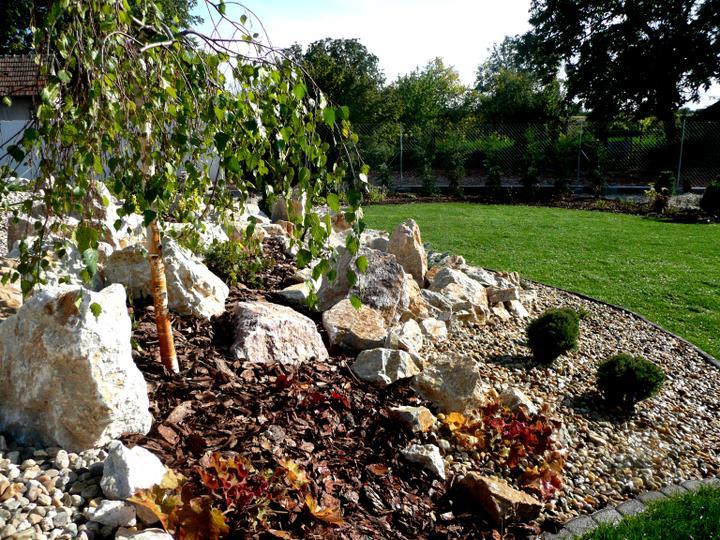 Záhrada s veľkou skalkou - Obrázok č. 26