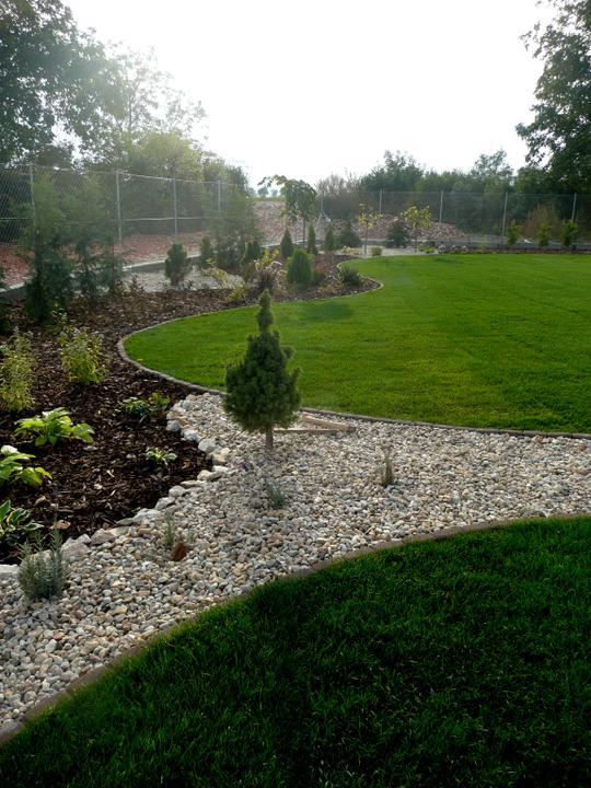 Záhrada s veľkou skalkou - Obrázok č. 27
