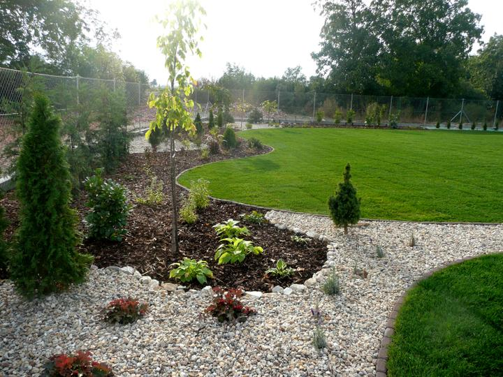 Záhrada s veľkou skalkou - Obrázok č. 29