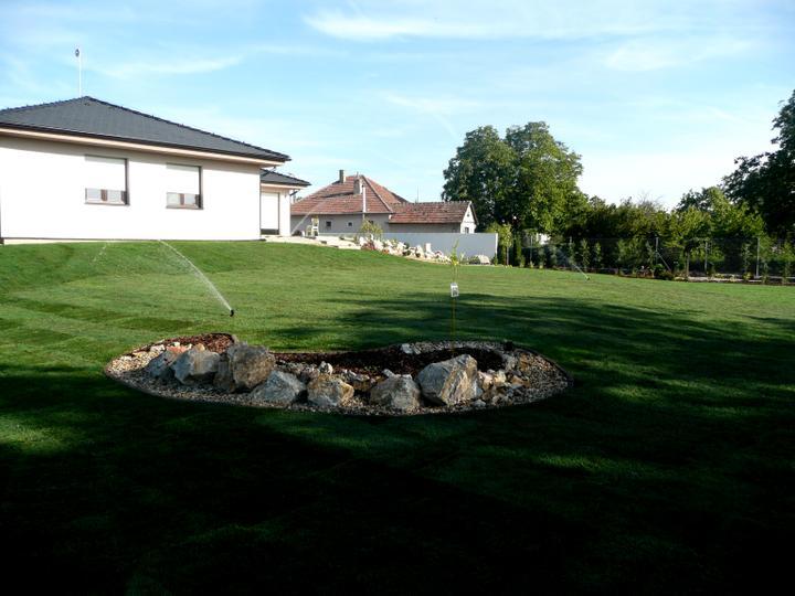 Záhrada s veľkou skalkou - Obrázok č. 31